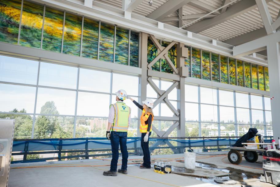 Northgate 的艺术灵感源自绿纹蜻蜓——华盛顿州的官方代表昆虫。